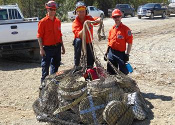 Crew netting hoses employment